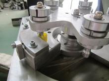 автоматическое оборудование для изготовления контрольного кольца в крышке